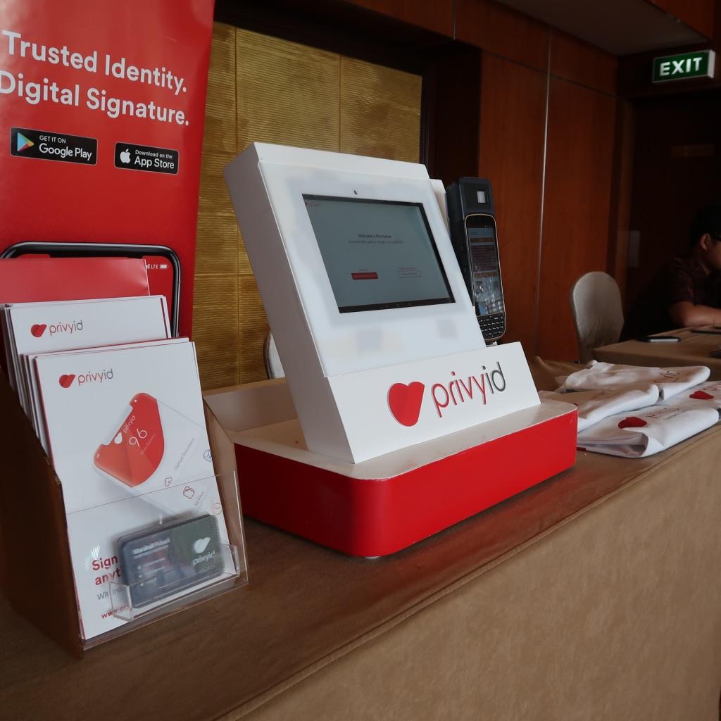 Kesiapan Notaris Indonesia dalam Menyongsong Cyber Notary