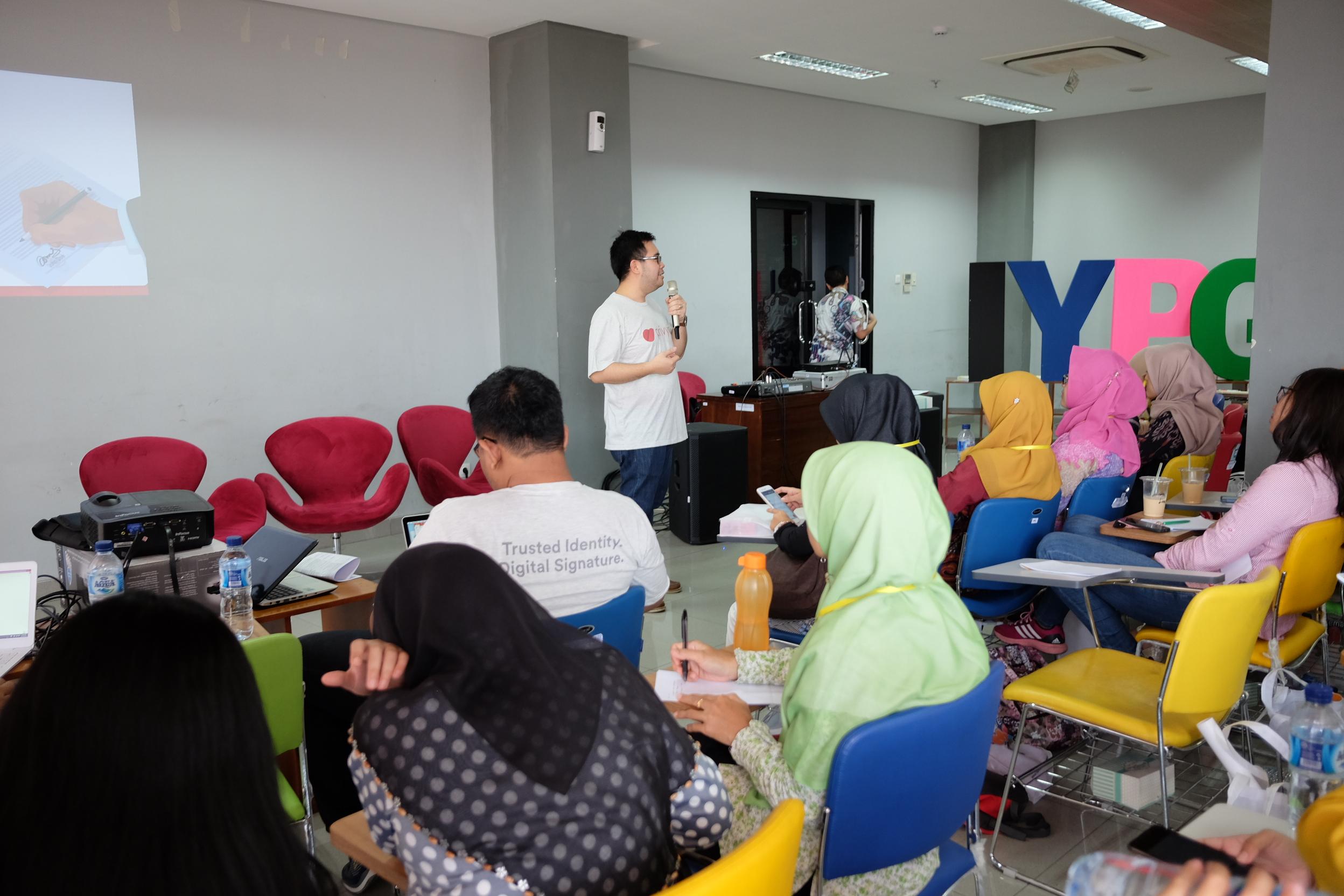PrivyID Perkenalkan Terobosan Baru di IYPG Summit